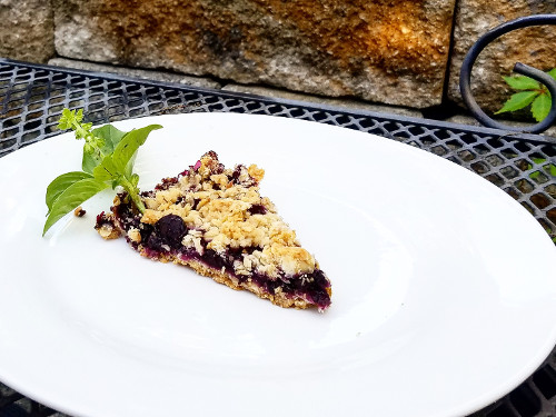 A plate of Blueberry Crumble